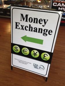Cartel de cambio de moneda en Australia
