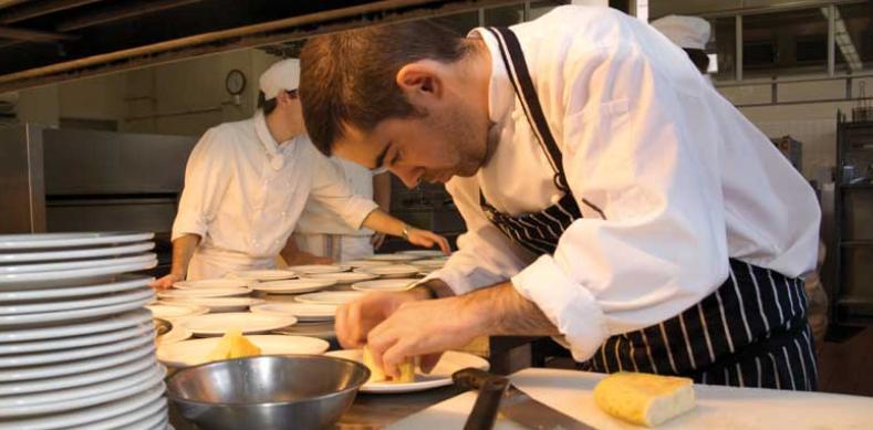 Cursos de formación profesional en Australia (curso de cocina)
